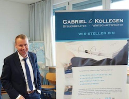 Berufsinformationstag in Moosburg für Schüler